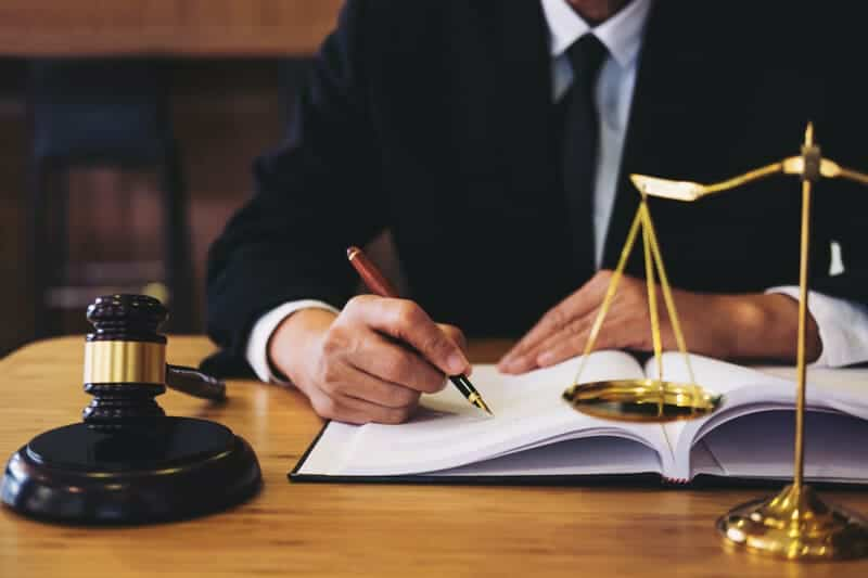 What Is a Corporate Lawyer